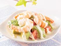 〈ボンファムキッチン〉海老とアボカドのとろーりサラダ