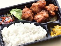 〈食彩亭〉鶏山賊焼弁当