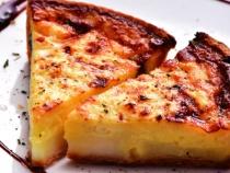 〈スカッサカッツィ〉じゃがいもと3種のチーズタルト