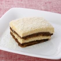 〈キハチ カフェ〉【今月のおすすめメニュー】ホワイトチョコレートのティラミス